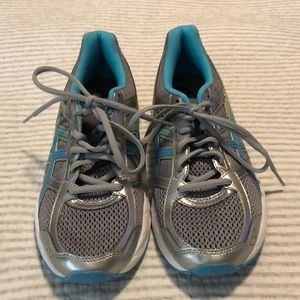 ASICS running shoes, size 9, good condition!